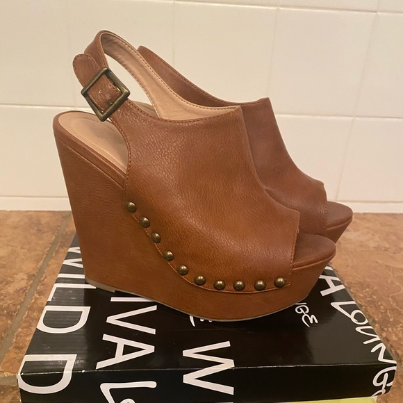 Wild Diva Shoes - Wild Diva Wedges- Like New